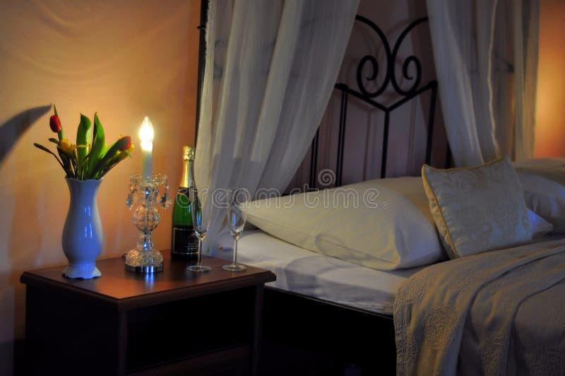 Romantyczna gość sypialnia zdjęcia stock