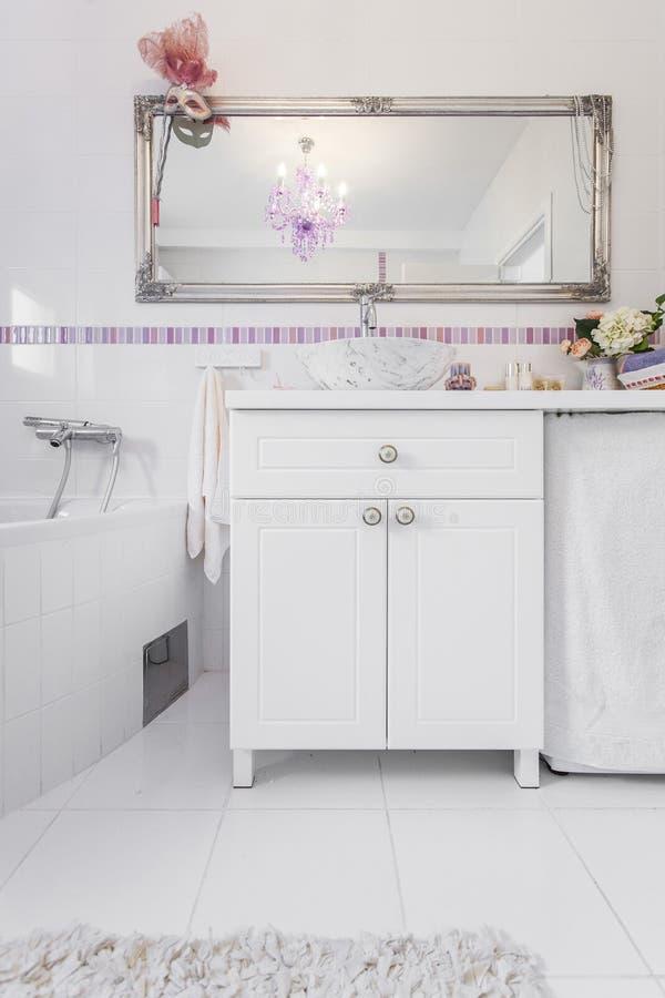 Romantyczna retro łazienka zdjęcia royalty free