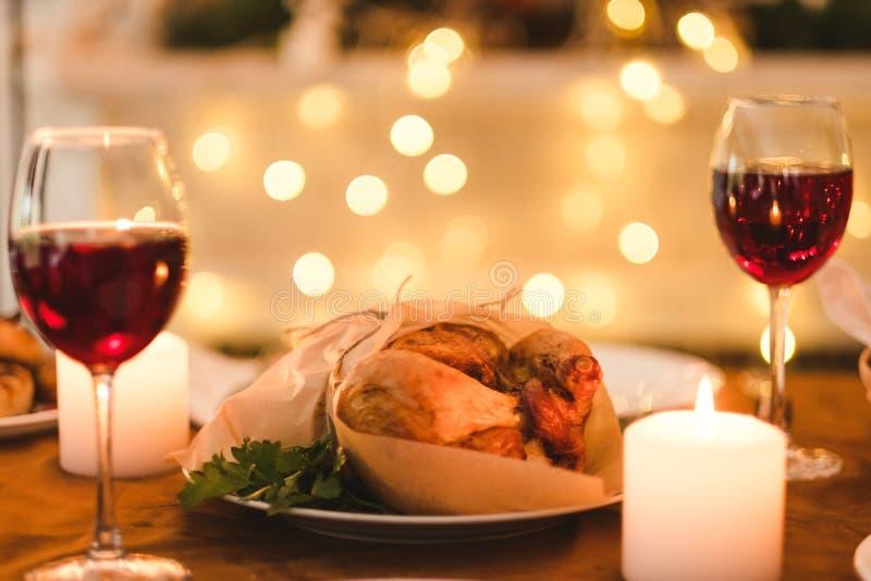 Romantyczny domowej roboty wieczór rodziny gość restauracji zdjęcie stock