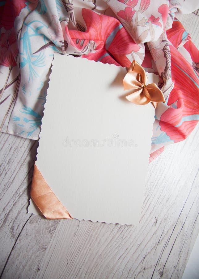 Download Romantyczny tło zdjęcie stock. Obraz złożonej z dekoracje - 65225810