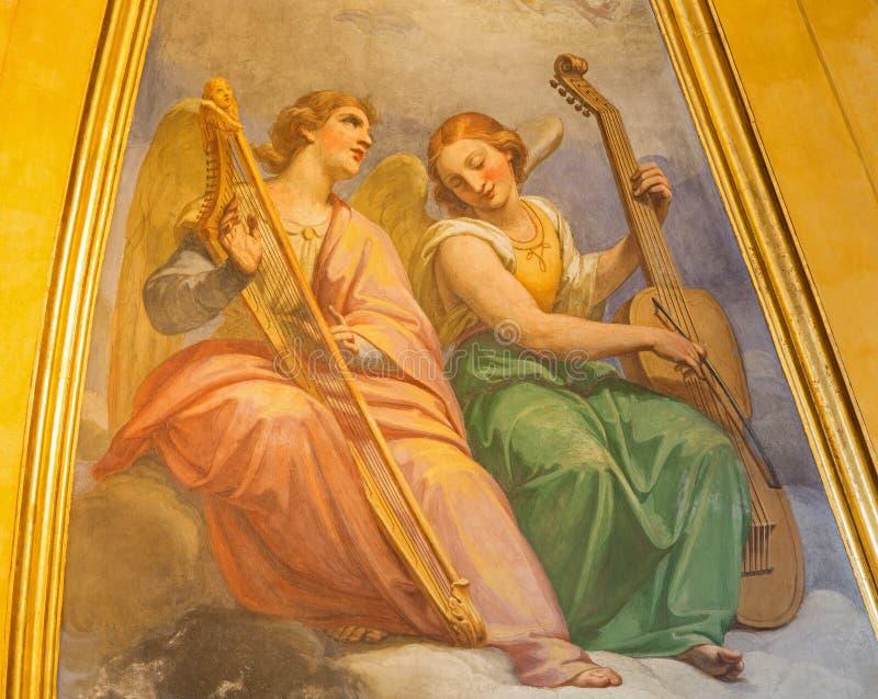 Rome - de fresko van engelen met de muziekinstrumenten in Basilica Di Sant Agostino (Augustine) royalty-vrije stock foto's
