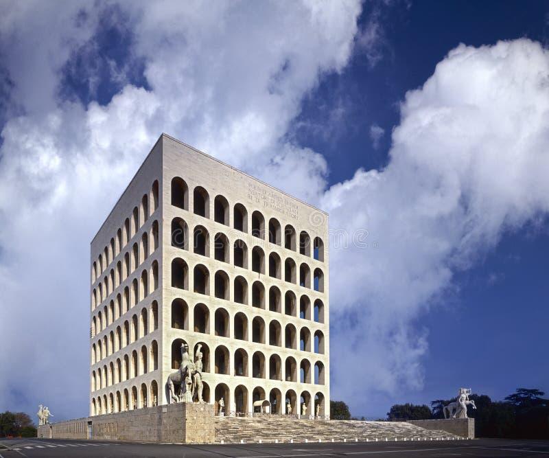 Rome, EUR Vierkante Colosseum stock foto's