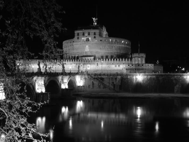 rome för castelitaly natt santangelo royaltyfri foto