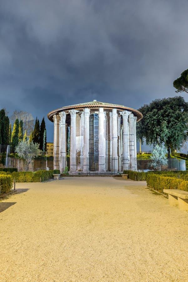 Rome Hercules Temple bij Nacht stock foto's