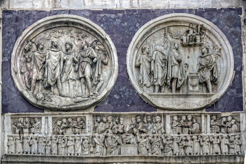 Rome, Italië De Arch van Constantine Arco Constantino - het Romeinse rijk, het oude landschap stock foto
