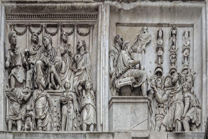 Rome, Italië De Arch van Constantine Arco Constantino - het Romeinse rijk, het oude landschap stock afbeelding