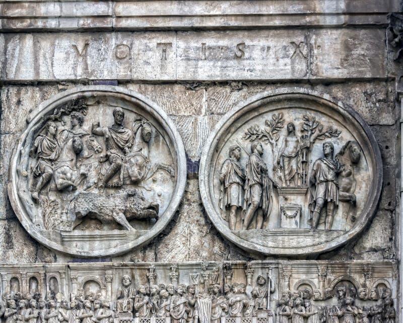 Rome, Italië De Arch van Constantine Arco Constantino - het Romeinse rijk, het oude landschap stock afbeeldingen