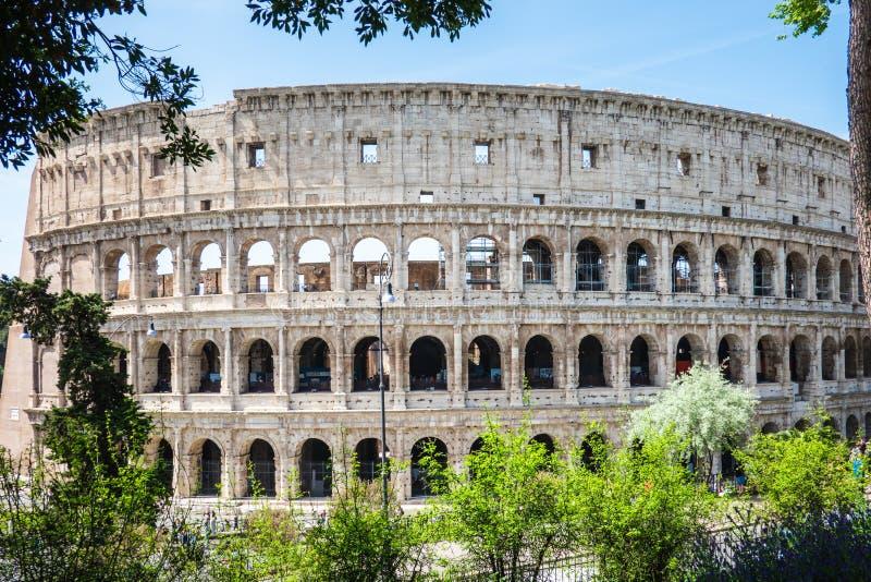 ROME, Italië: Groot Roman Colosseum Coliseum, Colosseo die ook als Flavian Amphitheatre wordt bekend Beroemd wereldori?ntatiepunt stock afbeeldingen