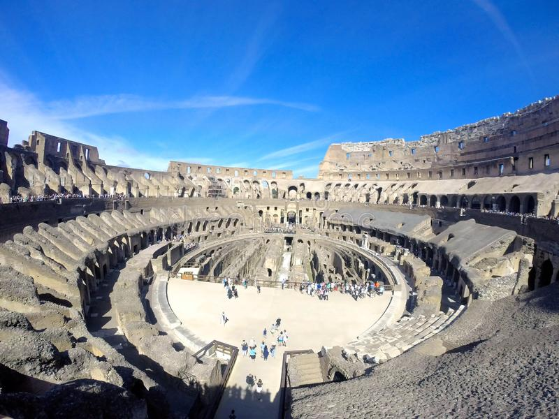 ROME Italië - 14 Mei, 2017: binnen van Coliseum in Rome stock afbeeldingen