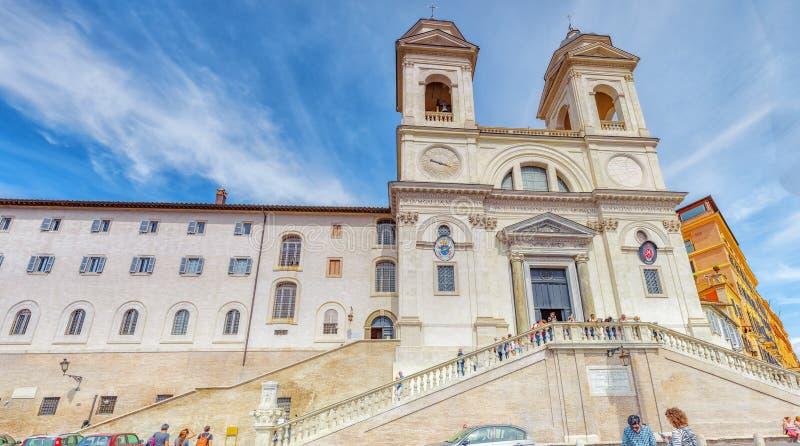 ROME, ITALIË - MEI 10, 2017: De kerk van Monti van Trinitadei, Fraternit royalty-vrije stock afbeeldingen