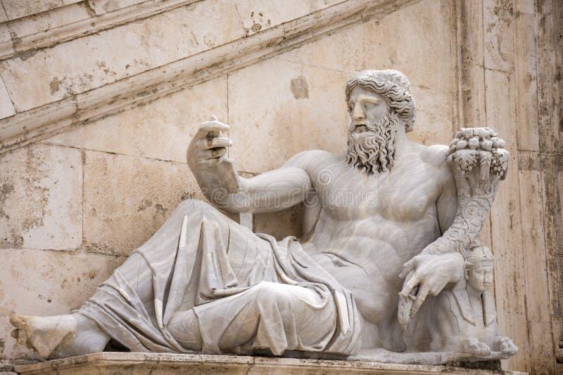 ROME, ITALIË - MEI 3, 2019: Het Standbeeld van Nile River La-statua del Nilo in Palazzo Senatorio in Capitoline-vierkant stock fotografie