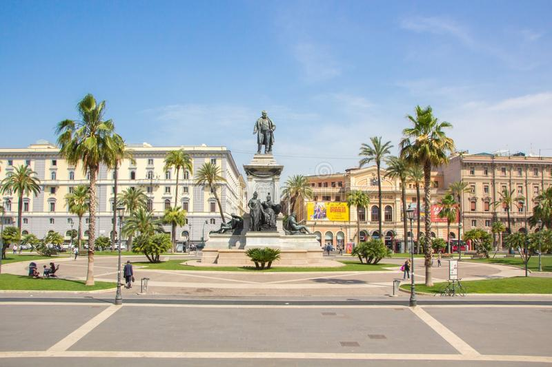 Rome, Italië - Mei 30, 2018: Monument aan Camillo Benso, Telling van Cavour Camillo Benzo di Cavour, in Piazza Cavour naast Hof stock afbeelding