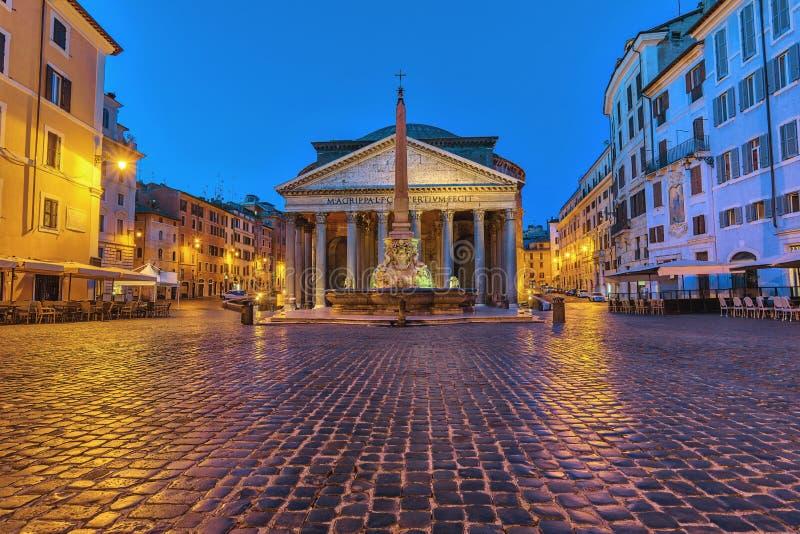 Rome Italië, nacht bij Pantheon stock afbeelding