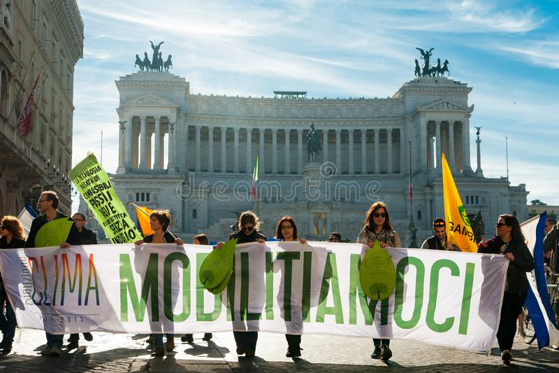 Rome, Italië - 20 oktober 2018: maart van klimaatveranderingactivisten die om actie van governements vragen voor royalty-vrije stock fotografie