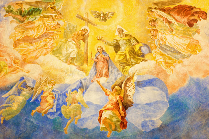 ROME ITALIEN, 2016: Freskomålningkröningen av vår dam & x28; 1957-1965& x29; i kyrkliga basilikadi Santa Maria Ausiliatrice arkivbilder
