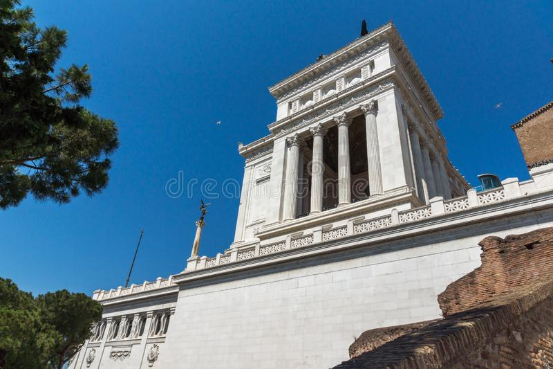 ROME ITALIEN - JUNI 23, 2017: Fantastisk sikt av altaret av den fäderneslandAltare dellaen Patria som är bekant som den nationell arkivfoto