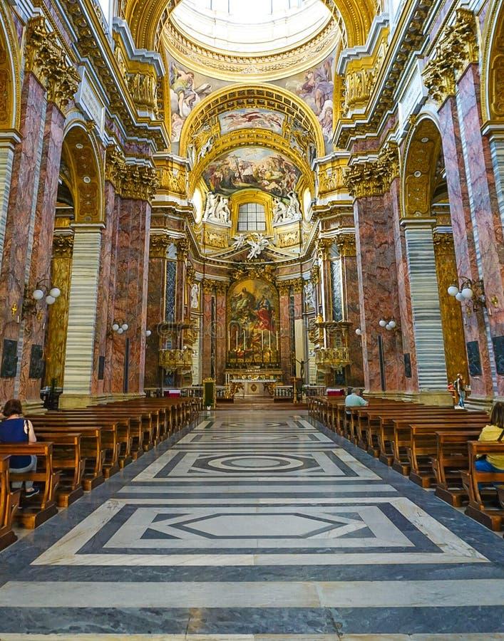 ROME ITALIEN - OKTOBER 12, 2017: Sant ` Ambrogio e Carlo al Corso arkivbild