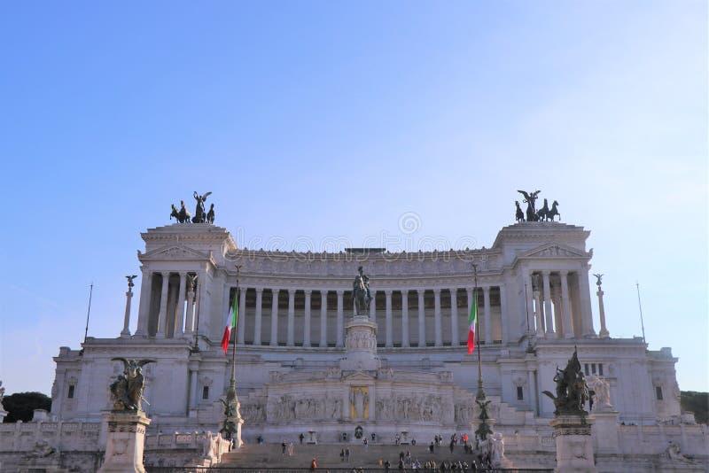 Rome Italien - piazza Venezia med Altare dellaPatria monument arkivfoto