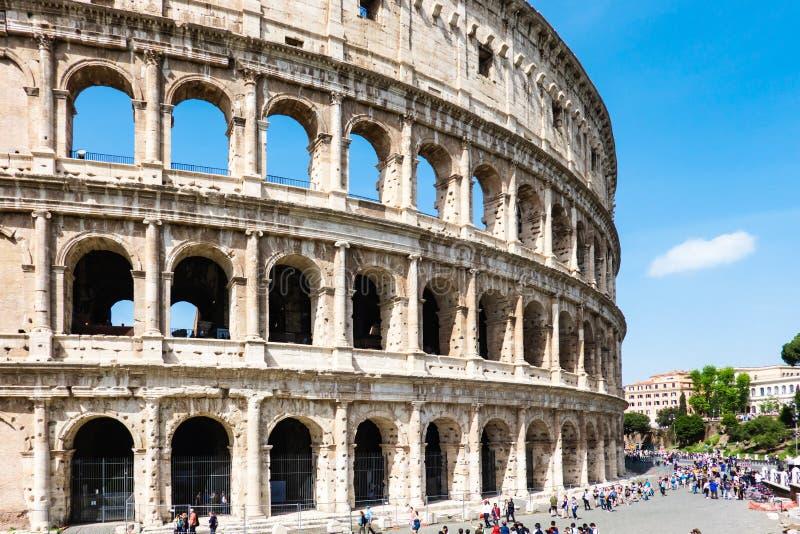 ROME Italien: Utm?rkt Roman Colosseum Coliseum, Colosseo ocks? som ?r bekant som Flavian Amphitheatre Ber?md v?rldsgr?nsm?rke Sce royaltyfri foto
