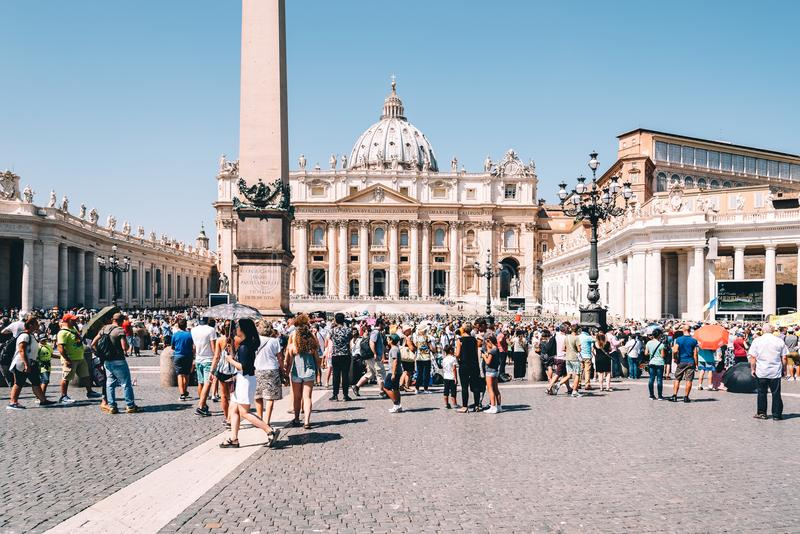Pilgrims in Square of St Peter royalty free stock photos