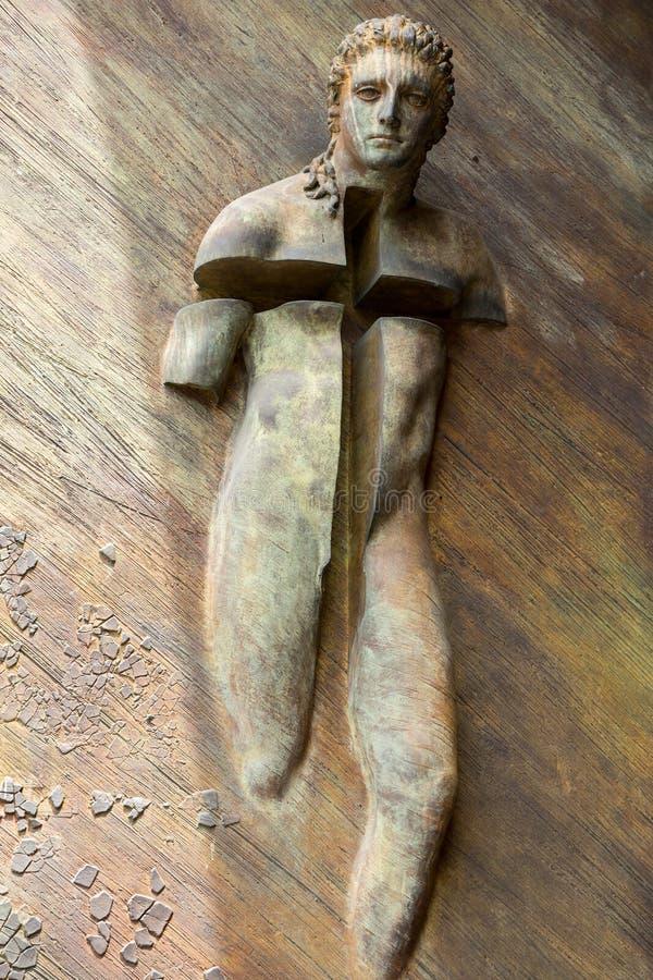 Rome - le détail artistique de la porte à la basilique de St Mary des anges et des martyres images stock