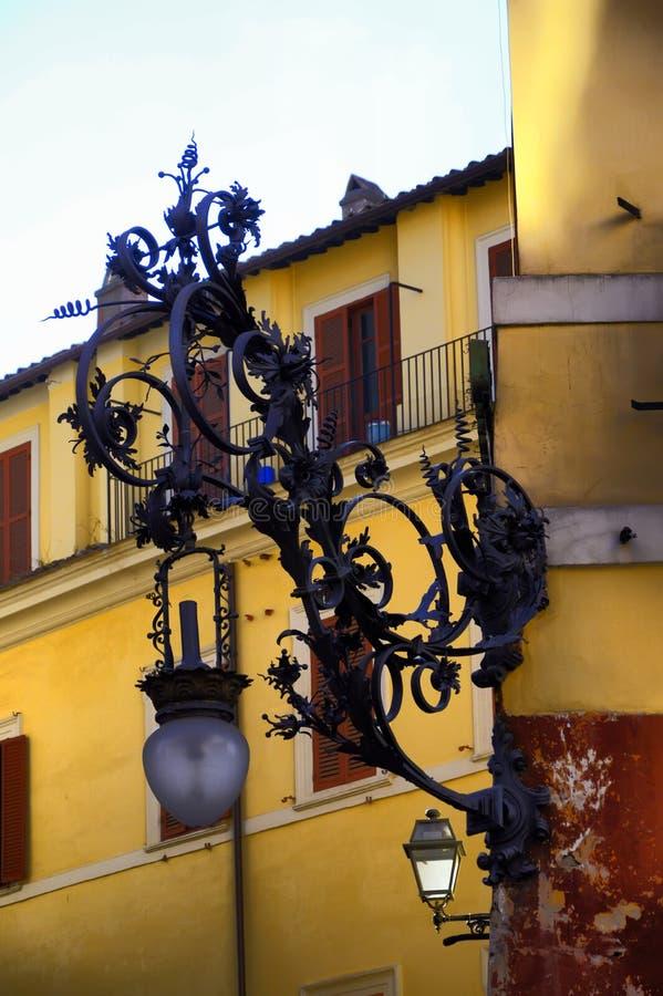 rome Les rues de Rome Lanterne modifiée photo stock