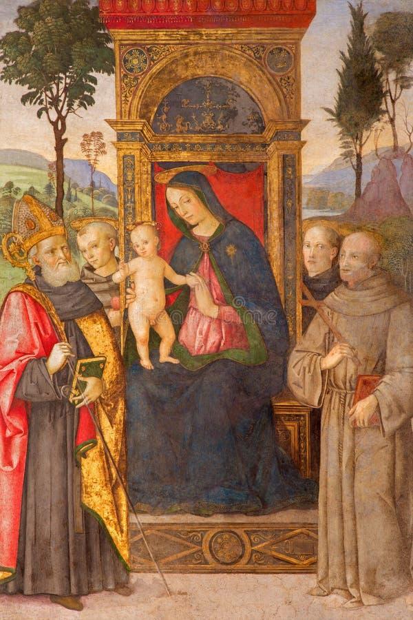 Rome - Madonna med barnet och helgonen av Aiuto del Pinturicchio i det BassodellaRovere kapellet i kyrka arkivfoto