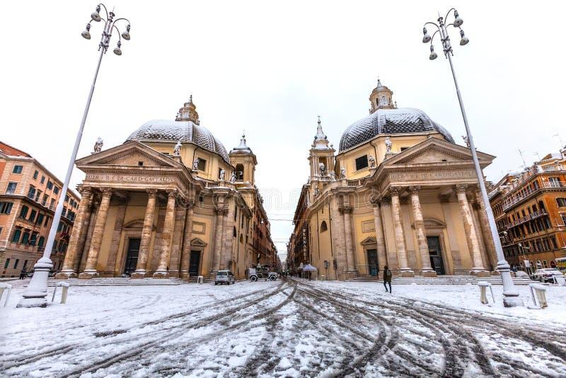 Rome med snö, piazza fyrkantiga del Popolo italy arkivbilder