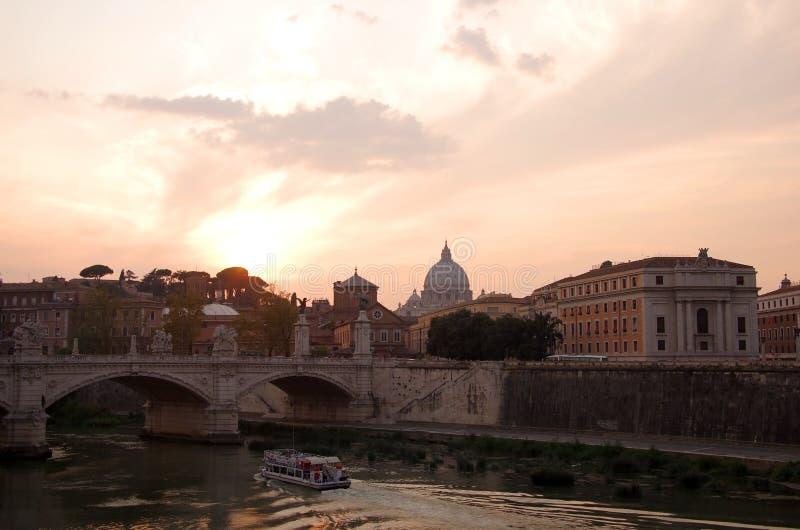 Rome op zonsondergang royalty-vrije stock afbeelding