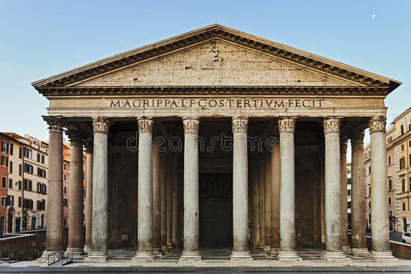 Rome pantheon front stock photo image of moon portico for Esterno pantheon