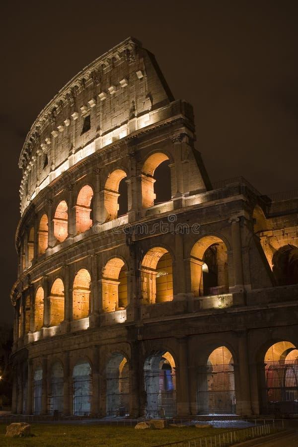 Rome 's nachts Colloseum stock afbeeldingen