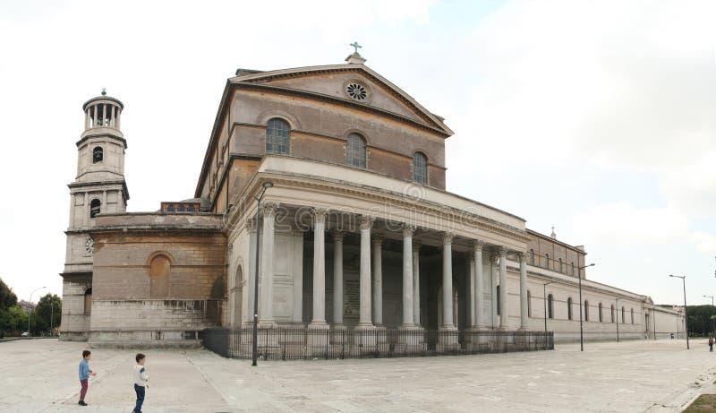 Rome - SanPaolo fouri le mura stock foto