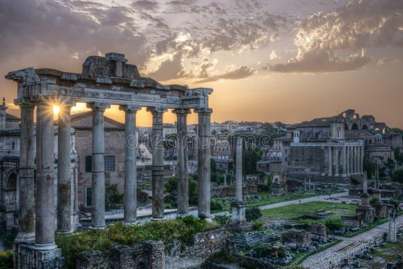 rome Sikt av de imperialistiska forumen arkivfoton