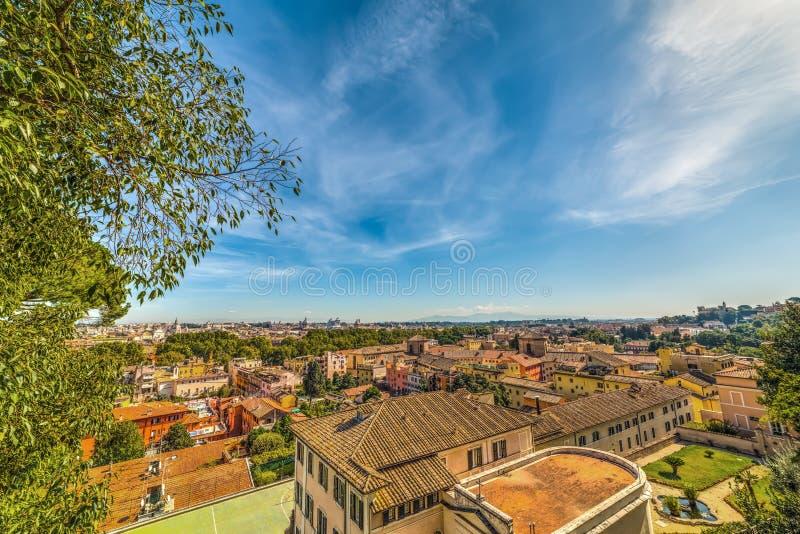Rome som ses från Passeggiata del Gianicolo arkivfoton