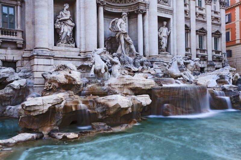 Rome Trevi lämnade tätt royaltyfri foto