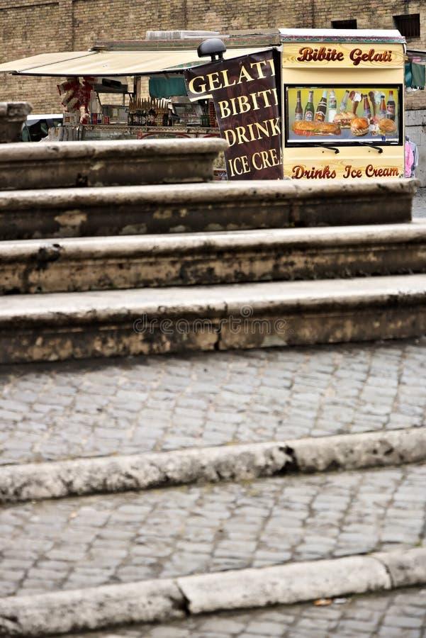 rome Van z prętowymi sprzedawanie kanapkami, napojami i Przed th zdjęcia stock