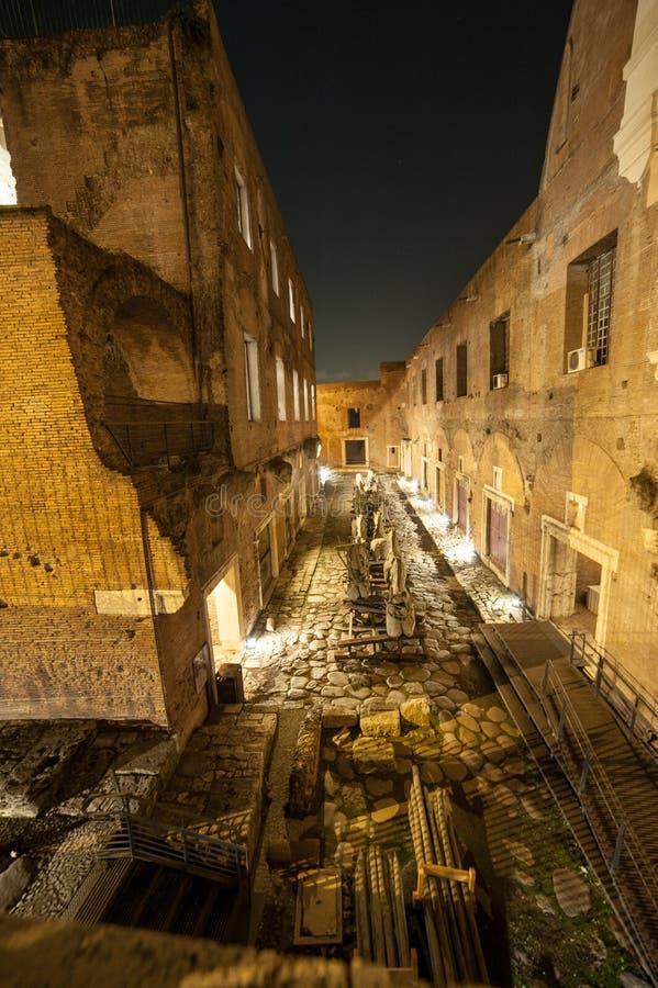 Rome vid natt, en olik punkt av sikten arkivfoto