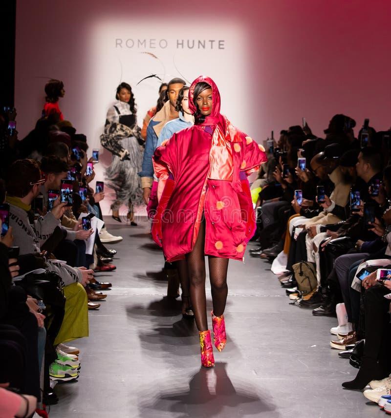 Romeo Hunte Men och för kvinnor FW19 landningsbanashow som delen av New York Fashion Week fotografering för bildbyråer