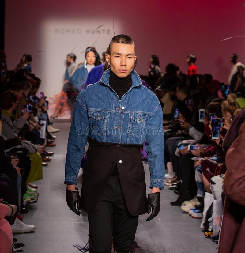 Romeo Hunte Men och för kvinnor FW19 landningsbanashow som delen av New York Fashion Week royaltyfri fotografi