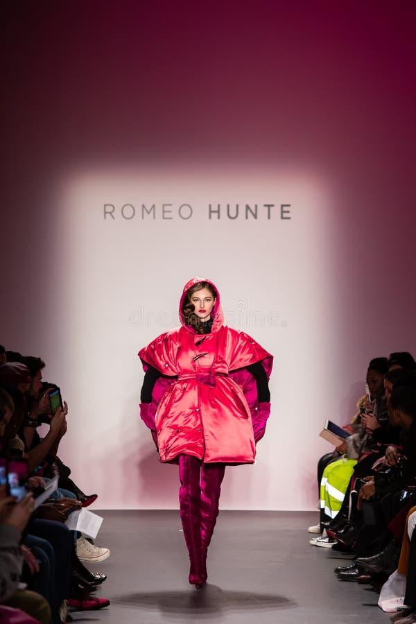 Romeo Hunte Men och kvinnamodeshow som delen av New York Fashion Week royaltyfri fotografi