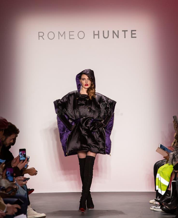 Romeo Hunte Men och kvinnamodeshow som delen av New York Fashion Week fotografering för bildbyråer