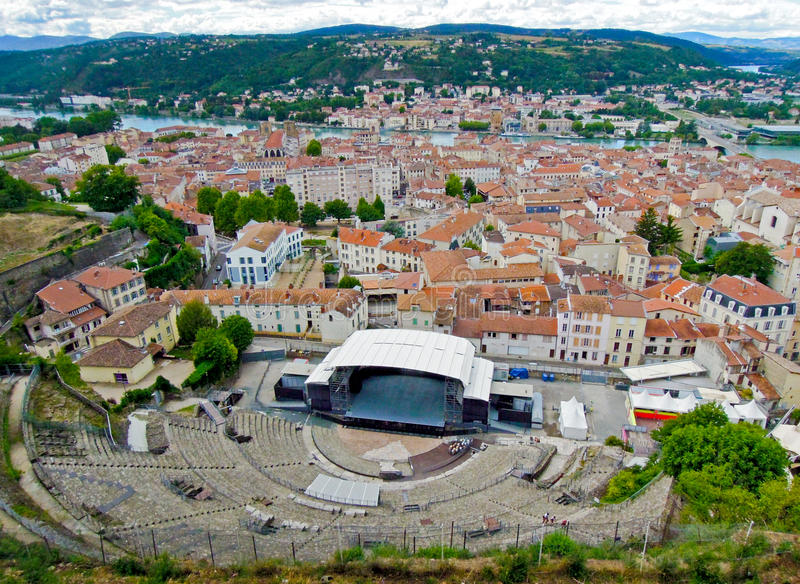Romersk amfiteater i den gamla staden av Vienne, Frankrike royaltyfria foton