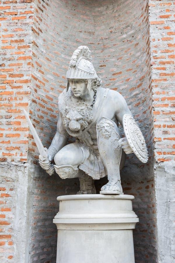 Romersk staty av en krigare arkivfoton