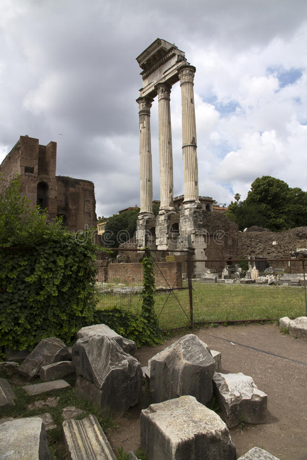 Romerskt fora i Rome, Italien arkivfoto