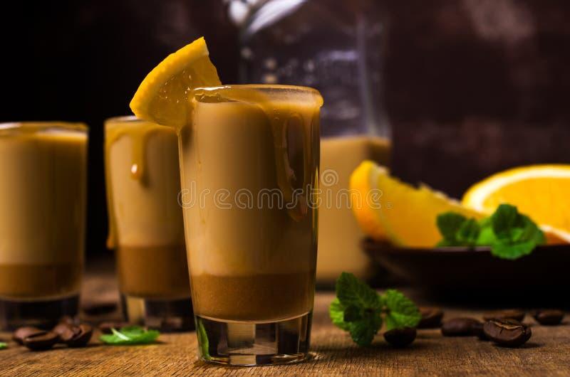 Romige koffielikeur royalty-vrije stock afbeeldingen