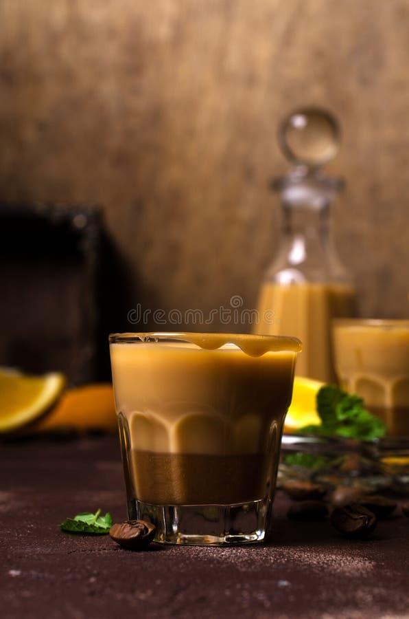 Romige koffielikeur stock foto's