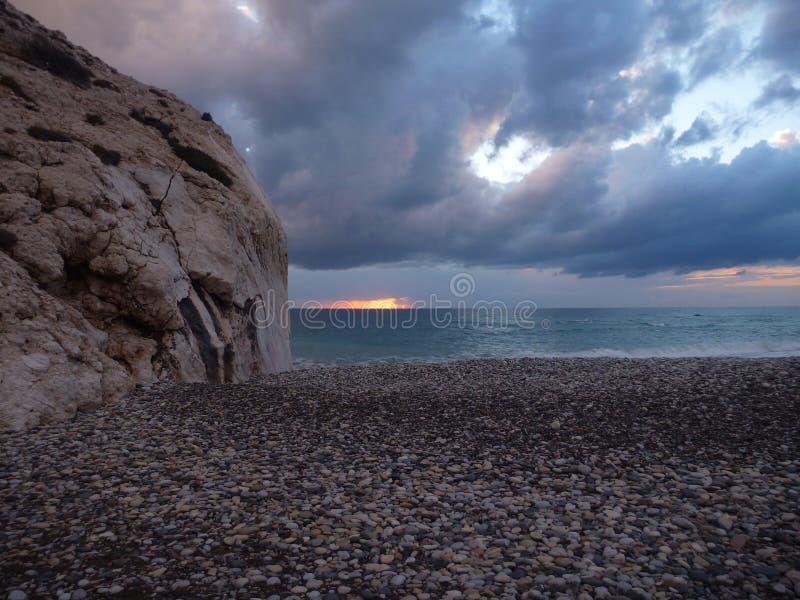 Romiou de tou de PETRA, lieu de naissance légendaire d'Aphrodite de déesse en Chypre photos stock
