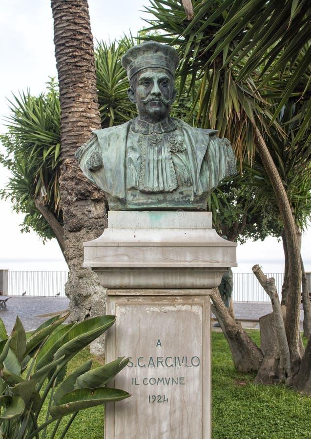Rompa onorare Francesco Saverio Gargiulo in parco municipale, Sorrento immagine stock