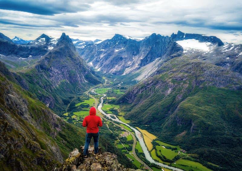 Romsdalseggen Ridge Norway royaltyfria bilder