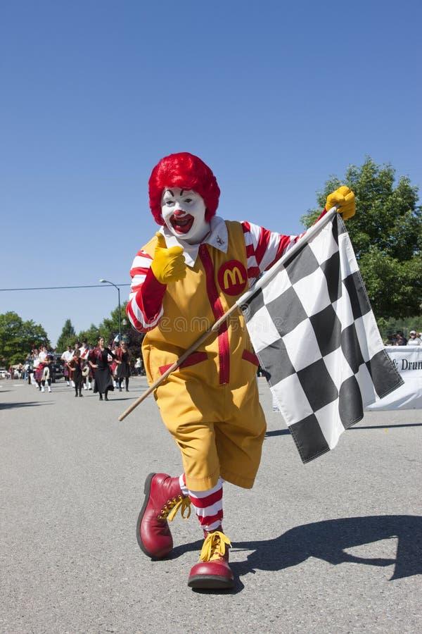 Ronald mit der Zielflagge. lizenzfreies stockfoto